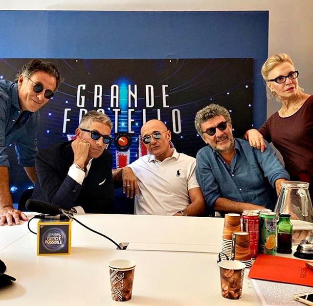 Alfonso Signorini sta scegliendo i concorrenti della prossima edizione del Grande Fratello Vip, di cui sarà conduttore