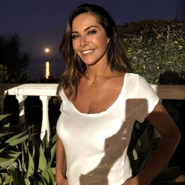 Emanuela Folliero, 54 anni, dopo ben 28 anni a Mediaset passa alla Rai
