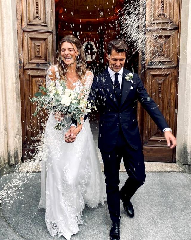 Cristina Chiabotto e Marco Roscio, la prima foto del matrimonio a Torino: eccoli mentro escono dalla chiesa dopo il 'sì'