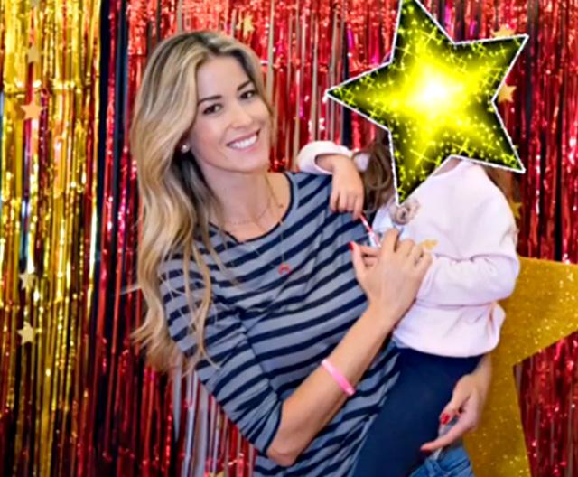 Poi Elena Santarelli, 38 anni, con la figlia Greta
