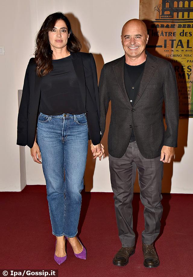 Luca Zingaretti, 57 anni, e Luisa Ranieri, 45, insieme alla premiere del film 'Thanks' a Roma