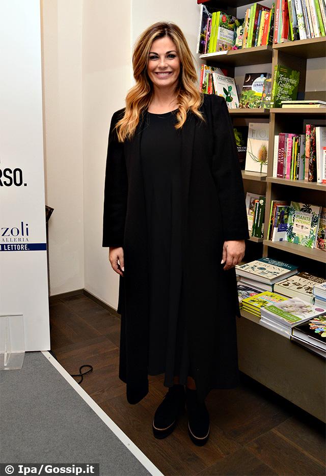 Vanessa Incontrada, 40 anni, presenta a Milano il suo libro 'Le bugie uccidono'