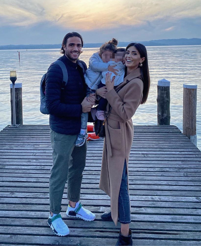 Alessandro Matri, 35 anni, e Federica Nargi, 29, con le figlie Sofia, 3, e Beatrice, 10 mesi