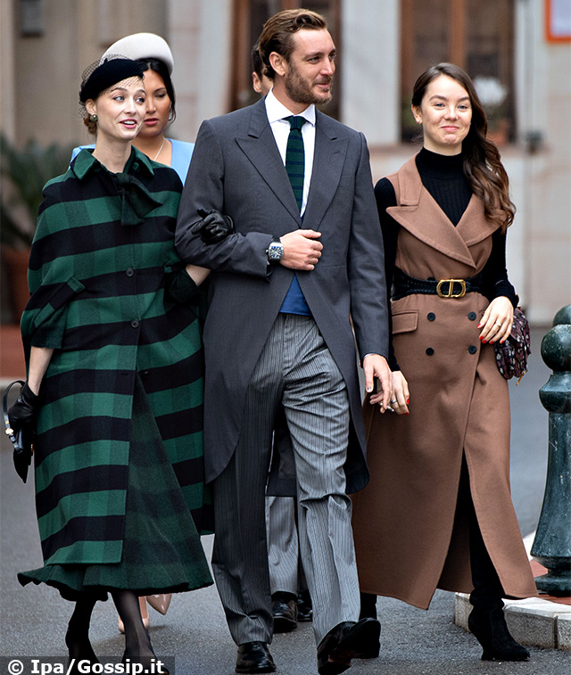 Beatrice Borromeo, 34 anni, sotto braccio al marito Pierre Casiraghi, 32, in occasione del Monaco National Day 2019