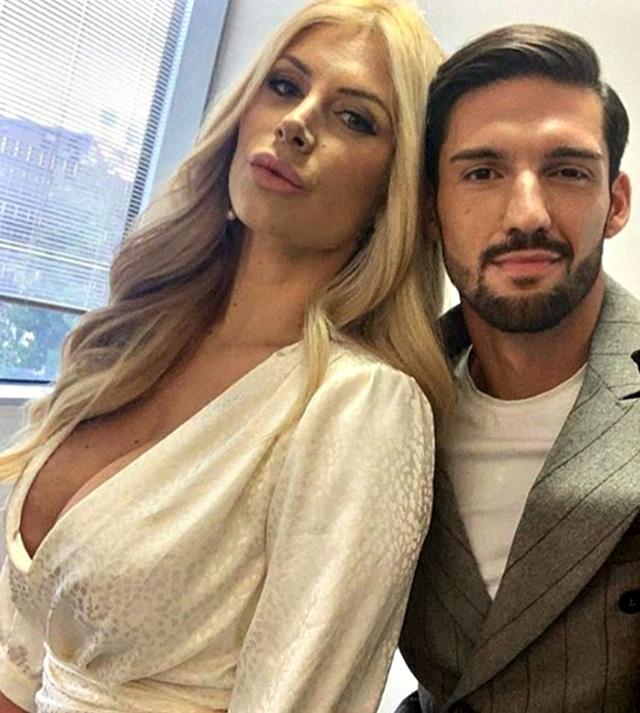 Paola Caruso, 34 anni, insieme a Moreno Merlo durante il loro rapporto, durato circa 4 mesi