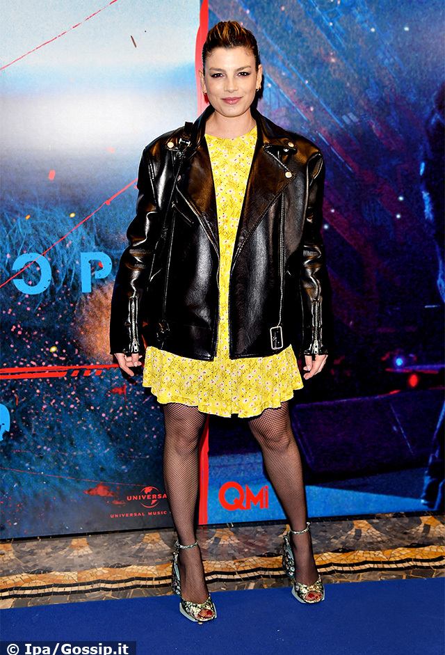 Emma Marrone, 35 anni, sul red carpet a Milano per il film di Vasco Rossi