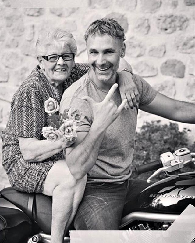 Grave lutto per Raoul Bova: è morta la mamma