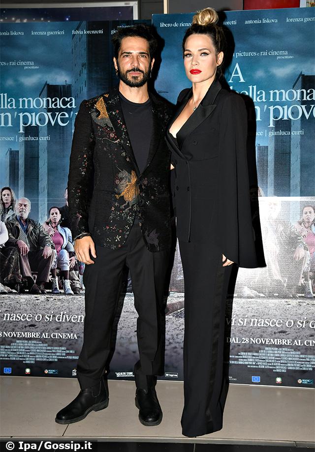 Marco Bocci e Laura Chiatti bellissimi alla premiere di 'A Tor Bella Monaca non piove mai'