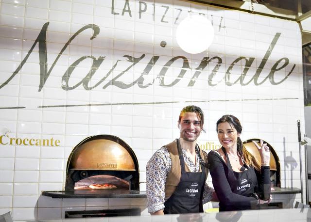 I due ex gieffini vip dietro al bancone de La Pizzeria Nazionale