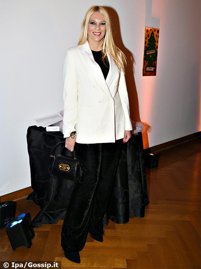 Eleonora Daniele in 'black and white' all'evento benefico 'I Cento Alberi d'Autore' a Roma