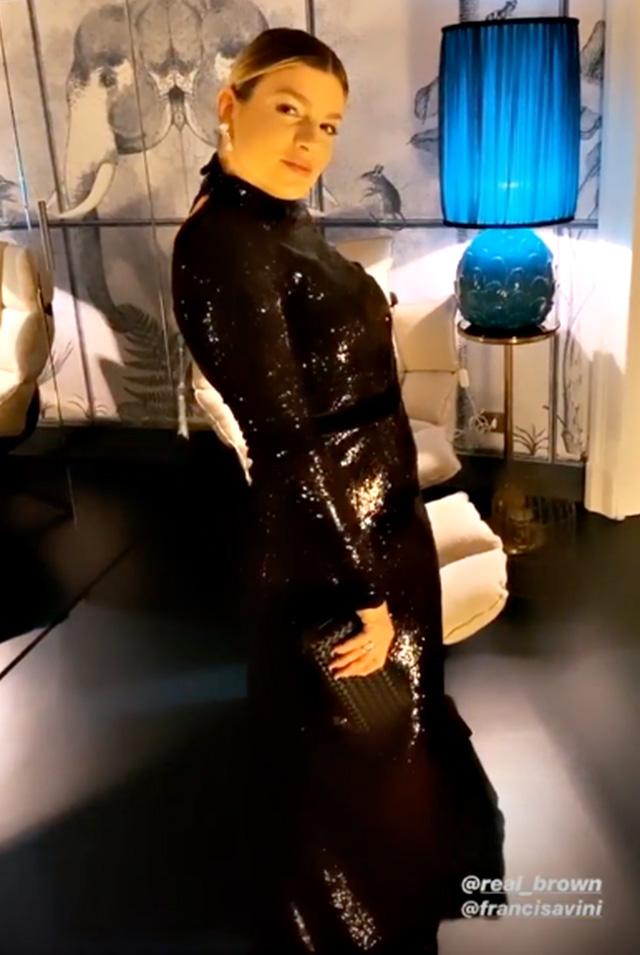 Emma Marrone combatte il cancro anche in abito da sera: elegantissima alla serata benefica