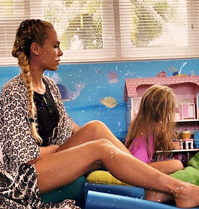 Ilary in uno scatto con la figlia Isabel