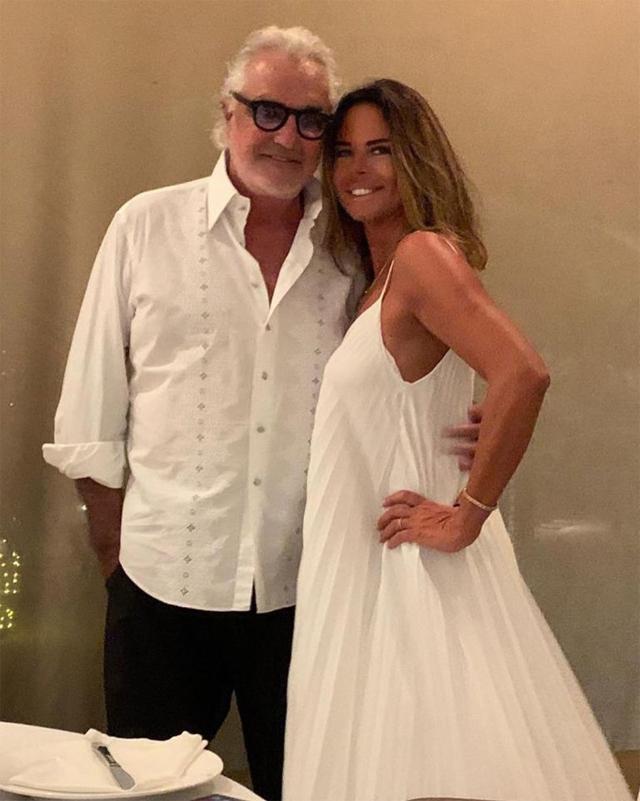 Paola Perego con il proprietario del resort, Flavio Briatore, 69 anni
