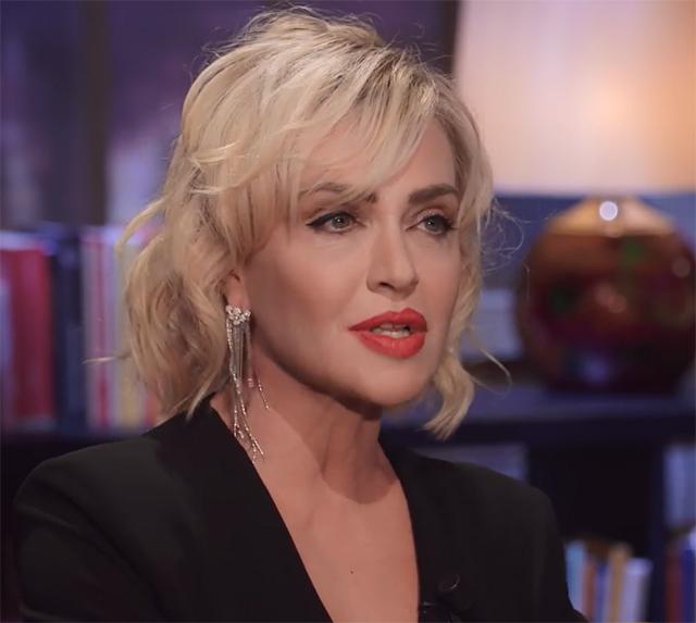 Paola Barale, 52 anni, ha detto di sapere dove ha avuto origine il rumor sul suo presunto flirt con Maria De Filippi