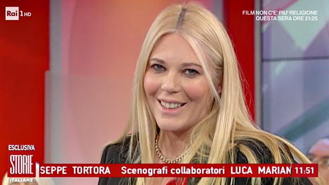 Eleonora Daniele mamma: 'Sono incinta, aspetto una bambina e la chiamerò...'