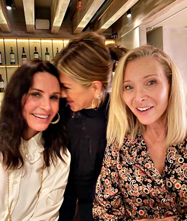 Le tre hanno voluto condividere sui social la loro ''nostalgica'' reunion