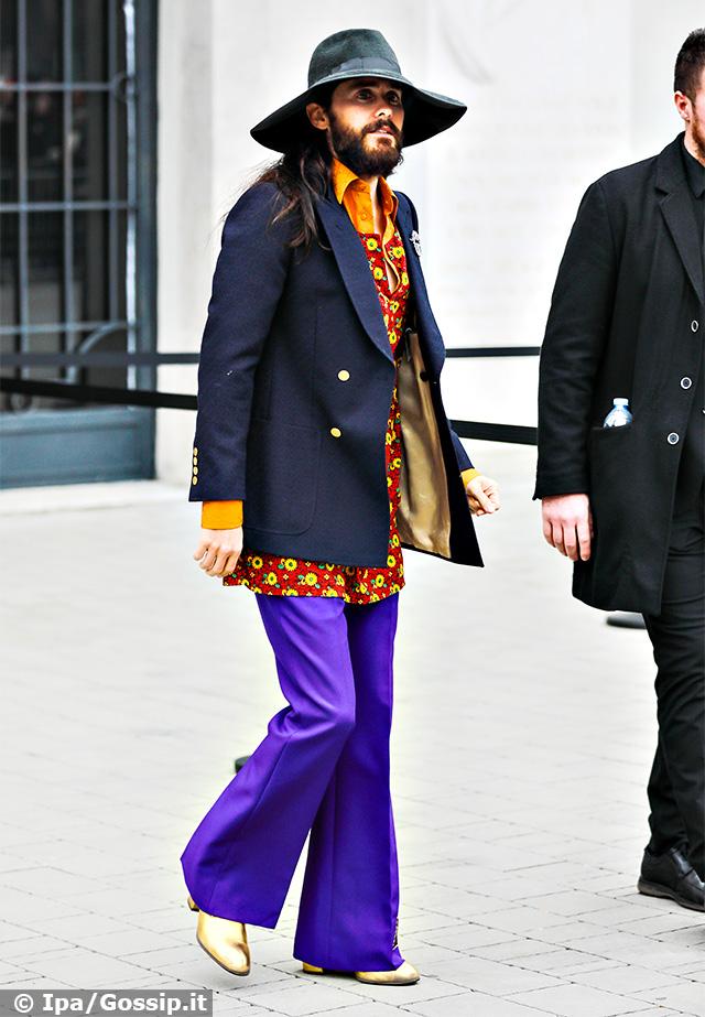 Jared Leto, 48 anni, con un look piuttosto eccentrico alla sfilata Gucci durante la Settimana della Moda di Milano 2020