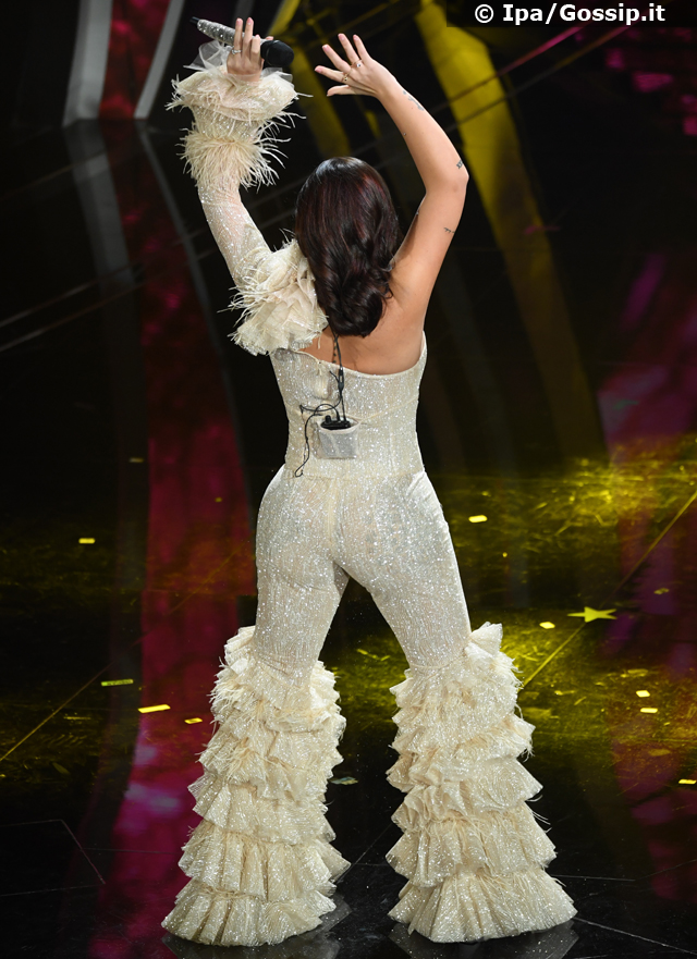 Elettra Lamborghini at Sanremo 2020 twerka but disappoints: 'You forgot your voice!'