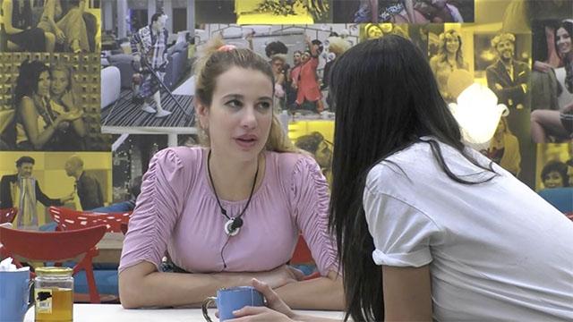 Clizia Incorvaia confessa a Paola Di Benedetto: 'Paolo Ciavarro mi interessa ma...'