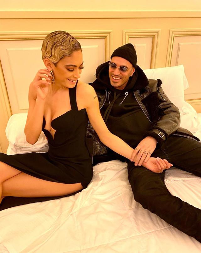 Elodie Di Patrizi, 29 anni, e Marracash, 40, nella camera d'albergo della cantante prima della finalissima dello scorso sabato
