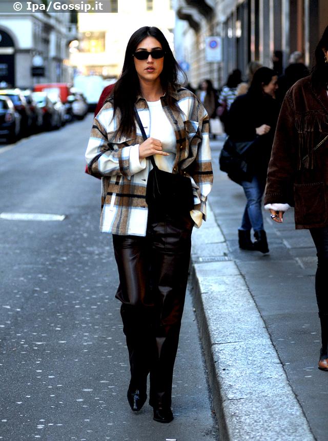 Cecilia Rodriguez, 30 anni il prossimo 18 marzo, paparazzata in giro per il centro di Milano