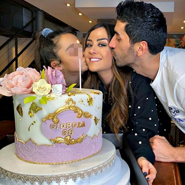 Giorgia Palmas, 38 anni, festeggia il compleanno a casa insieme a Filippo Magnini, 38, e a sua figlia Sofia, 11