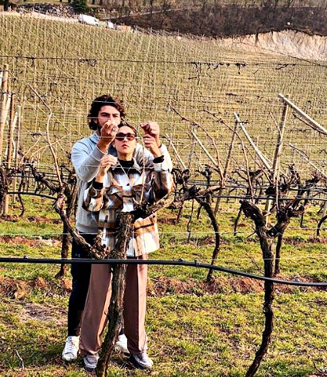 Ignazio Moser insegna a Cecilia Rodriguez come curare le vigne: la quarantena continua...