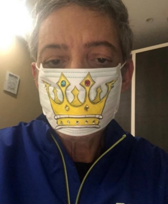 Fiorello contro i runner che infrangono le regole del governo in emergenza Coronavirus