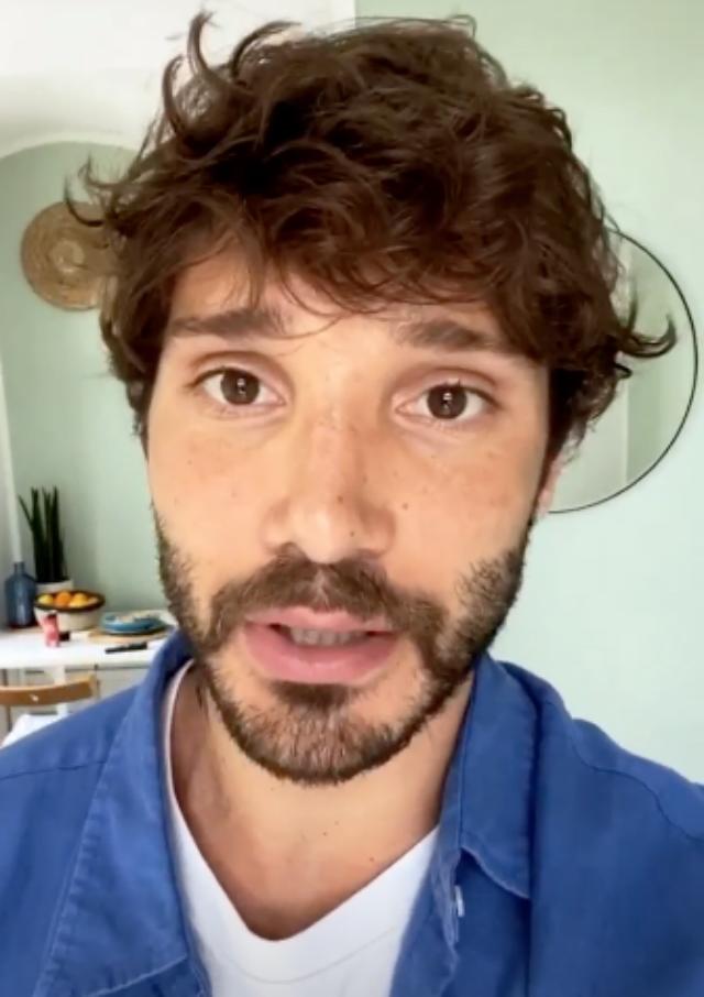 Stefano De Martino si separa da Belen e continua la quarantena a Napoli: ecco perché