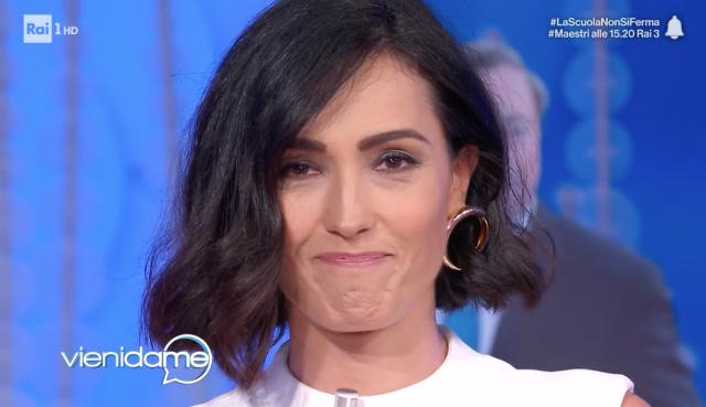 Caterina Balivo torna a condurre 'Vieni da me' dopo 51 giorni e si commuove