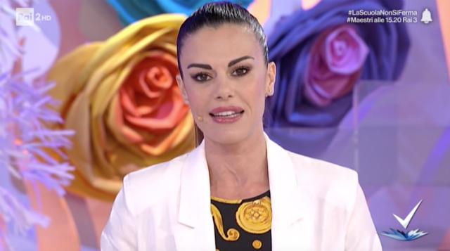 Bianca Guaccero torna in tv, ma trucco e parrucco li fa da sola: ''Me la cavo bene, ecco perché''