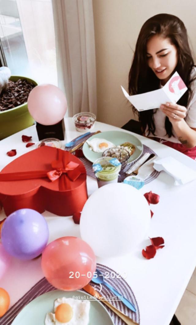 Andrea Damante e Giulia De Lellis, amore al massimo: festeggiano l'anniversario della scelta a Uomini e Donne