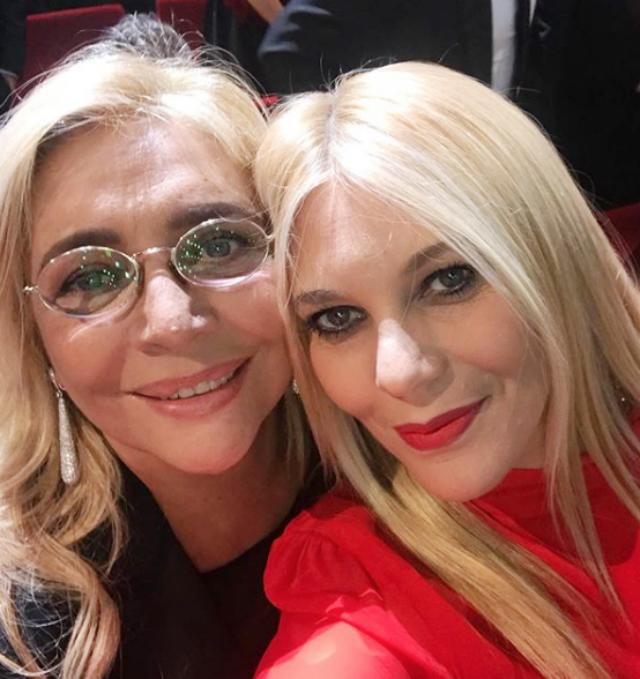 Eleonora Daniele insieme all'amica Mara Venier, 69 anni