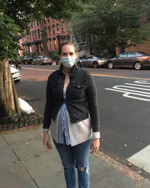 Martina Anne Bonolis, figlia di Paolo Bonolis, incinta a New York