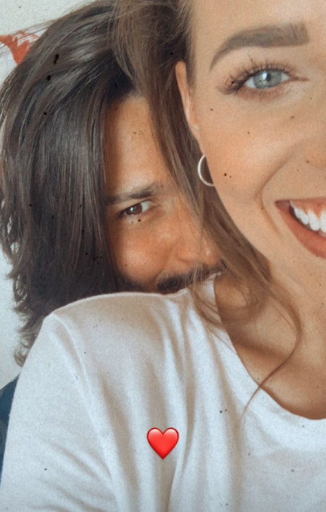Luca Onestini e Ivana Mrazova si riabbracciano dopo la quarantena lontani