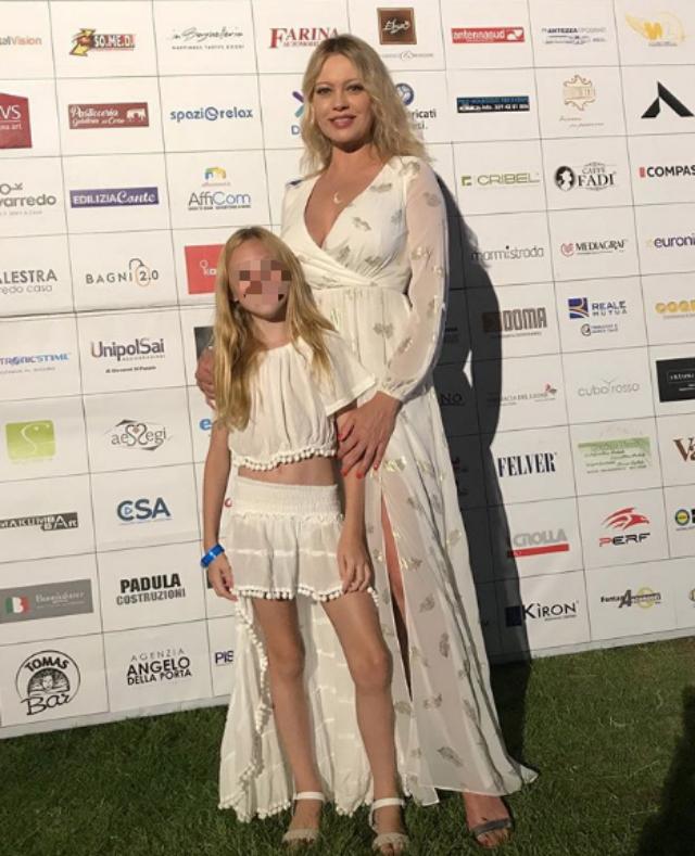 Anna Falchi con la figlia Alyssa, nata nel 2010