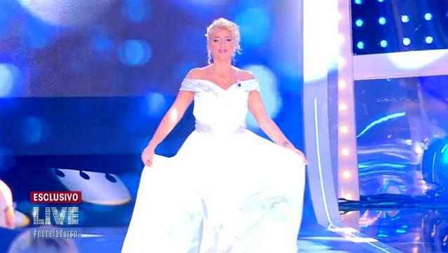 Loredana Fiorentino, la madre di Favoloso, dalla D'Urso in abito da sposa: guarda