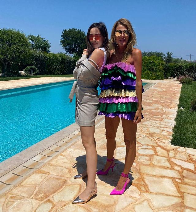 Aurora Ramazzotti, 23 anni, e Anna Dello Russo, 58, hanno subito legato moltissimo durante il loro incontro in Puglia