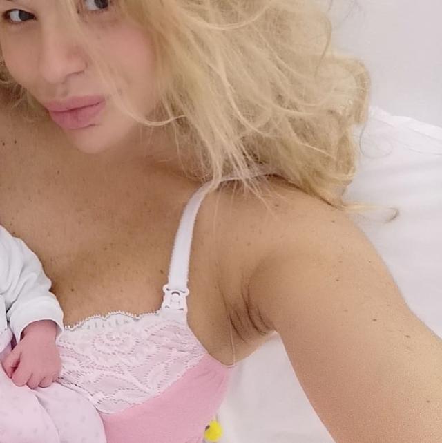 Giulia Montanarini ha partorito: è nata Alice