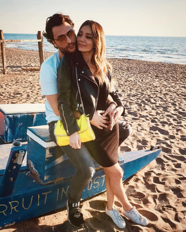 Gabriele Costanzo, 58 anni, insieme alla fidanzata Francesca Quattrini, 23