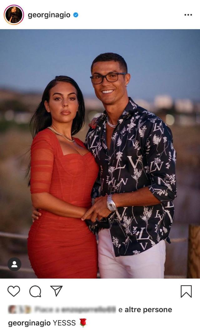 Cristiano Ronaldo ha fatto la proposta di nozze a Georgina? La foto 'sospetta'