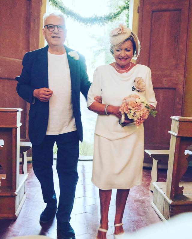Gianna e Fabrizio in chiesa per il matrimonio bis a 50 anni dal primo