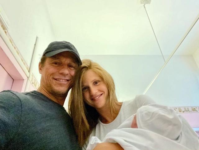 Stefano Accorsi, Bianca Vitali ha partorito: è nato il secondo figlio della coppia e si chiama...