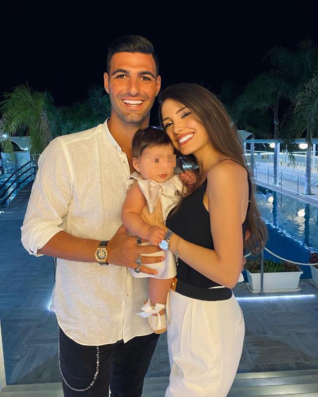 Clarissa Marchese, 26 anni, e Federico Gregucci, 31, insieme alla piccola Arya, nata da pochi mesi