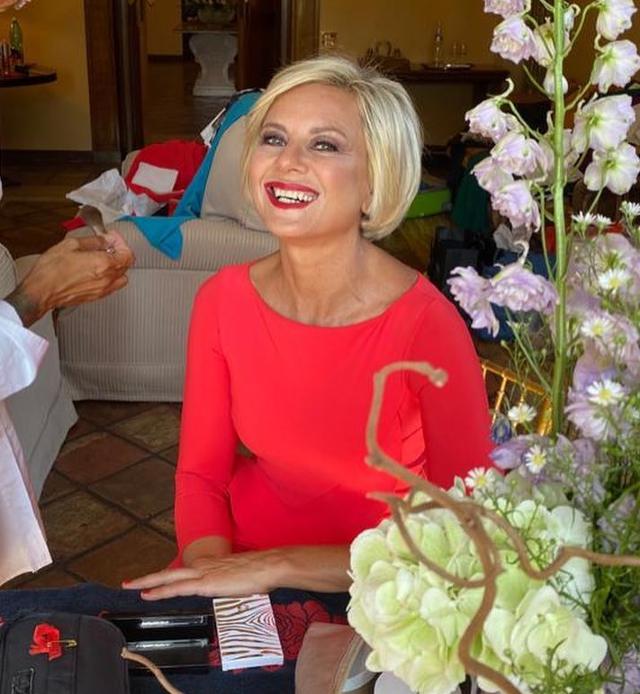 Antonella Elia magrissima: 'Entro nella taglia 14 anni di Zara'. Ecco il suo segreto