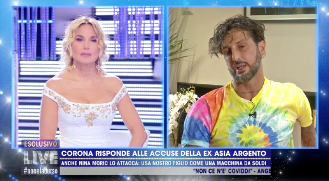 Fabrizio Corona, 46 anni, ospite di 'Live - Non è la D'Urso'