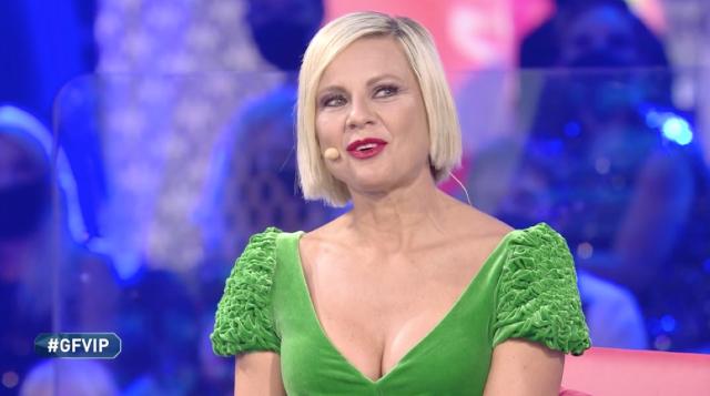 Antonella Elia conferma di essere tornata con Pietro: le sue parole