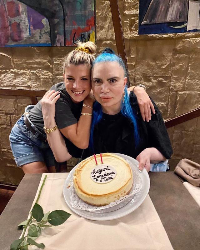 Emma Marrone, 36 anni, festeggia i 70 anni di Loredana Bertè