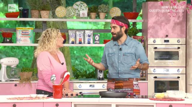 Il fidanzato di Selvaggia Lucarelli, Lorenzo Biagiarelli, debutta in tv: immagini