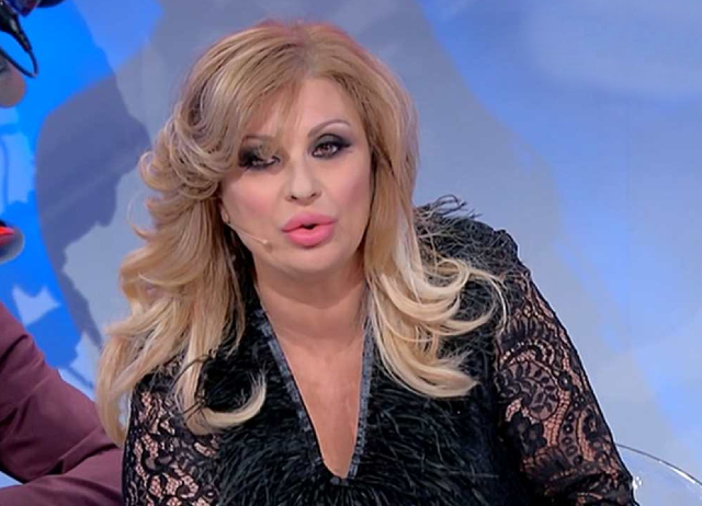 Tina ha raccontato anche come è entrata in contatto con la redazione del programma di Canale5